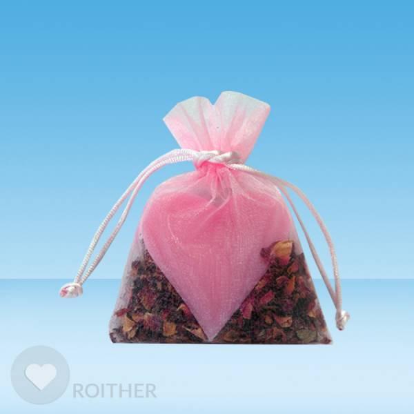 Duftsack mit Herzseife und Rosenblüten